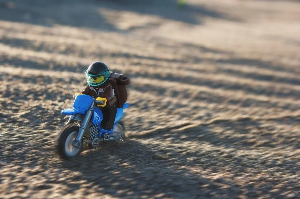 A partir de quel âge peut-on construire un puzzle 3D moto ?